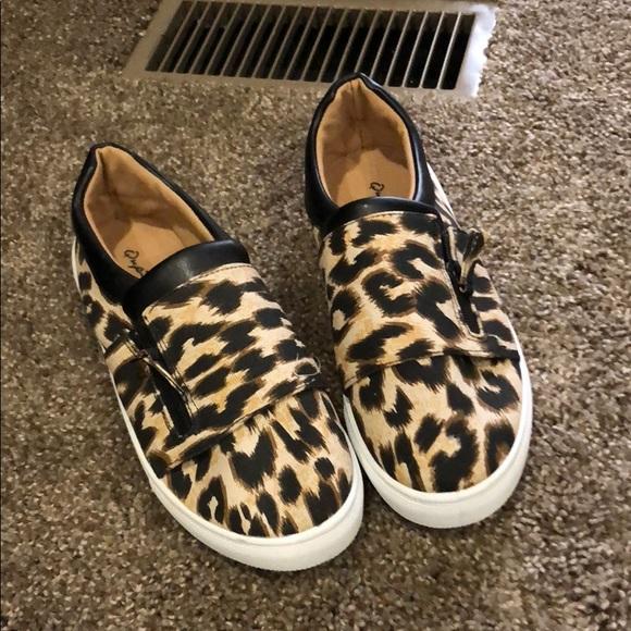 ab0a172f8f0a Leopard Print Slip On Shoes. M 5b5cb19af414520a6df68425
